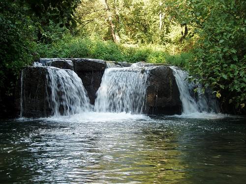 Il fascino delle cascate di monte gelato parco regionale - Cascate per giardino ...