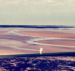 astronauta spiaggia (2)