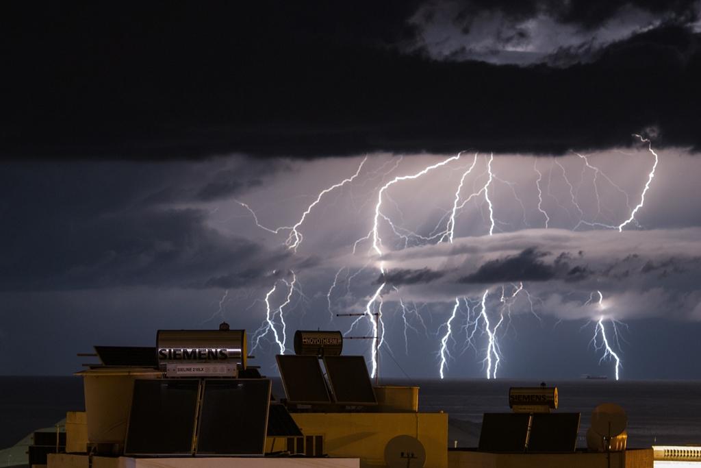 Allerta meteo di 24 ore: le piogge arrivano domenica a mezzogiorno