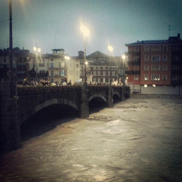 Alluvione a Parma, è un disastro: domani scuole chiuse. Il ...