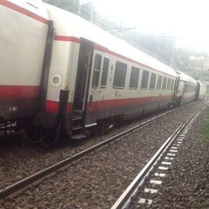 treno deragliato fegino genova