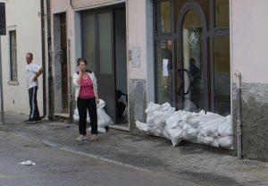 Maltempo: Carrara; sindaco, evacuare piani terra
