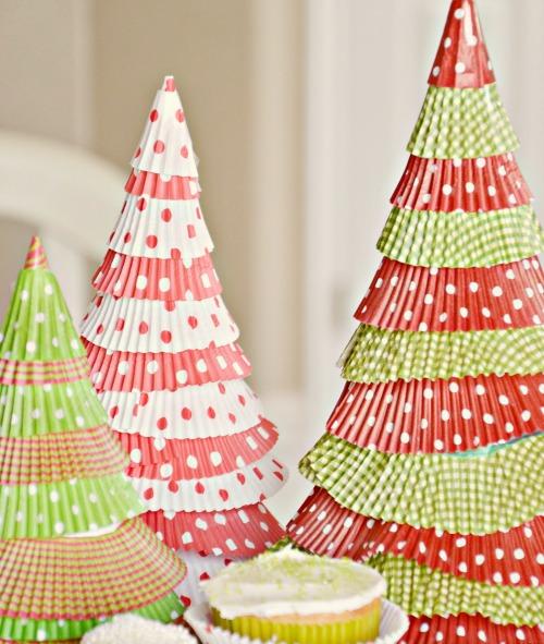 abbastanza Riciclo creativo: ecco come realizzare alberi natalizi green FN13