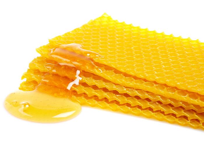 Gli infiniti impieghi benefici e domestici della versatile - Cera d api per legno esterno ...