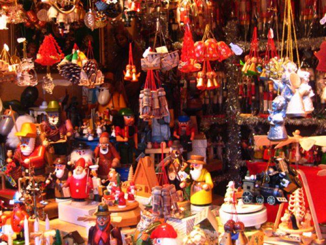 Decorazioni Natalizie Napoli.Natale E Gia Tempo Di Mercatini Il 4 Novembre Apre Il Villaggio Di Bussolengo Meteoweb