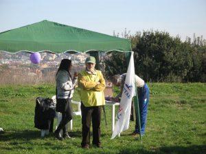 volontari di fare verde allo stand