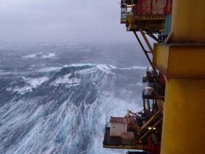 Onde di tempesta sul mar del Nord