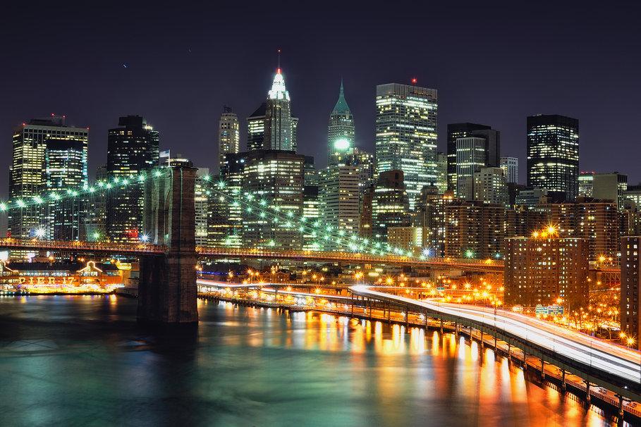 La doppia skyline di grattacieli di new york dopo for Foto new york notte