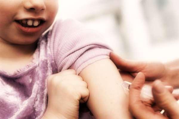 Allarme morbillo in Italia, bufera su chi sceglie di non vaccinare