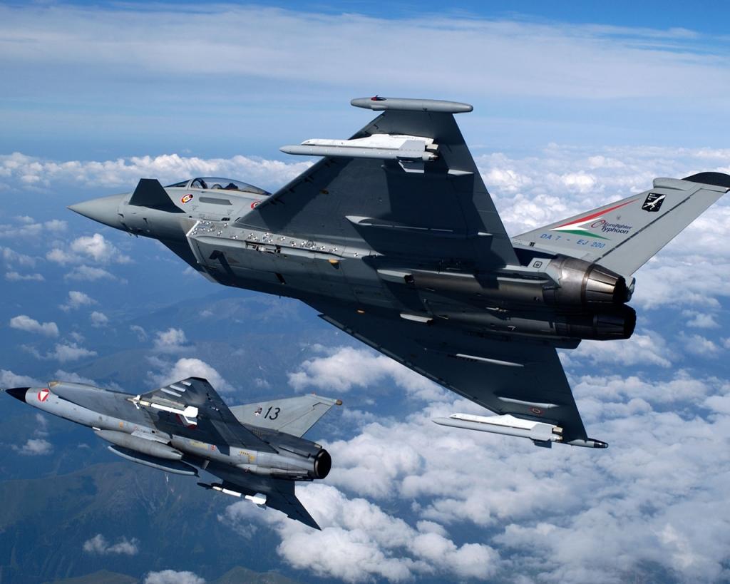 Aereo Da Caccia Oggi : Aeronautica contatto radio perso caccia italiani intercettano un