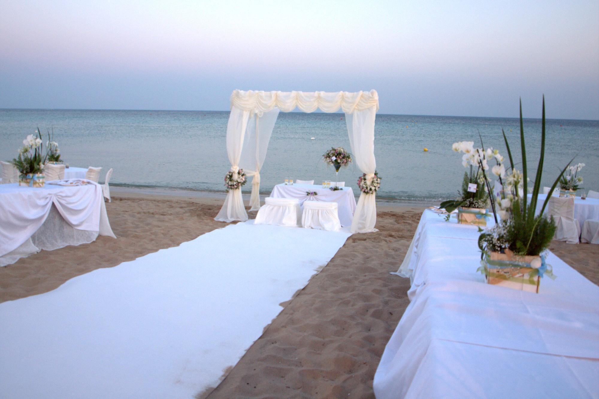 Foto Matrimonio Spiaggia : Matrimoni all aperto anche in italia la rivoluzione