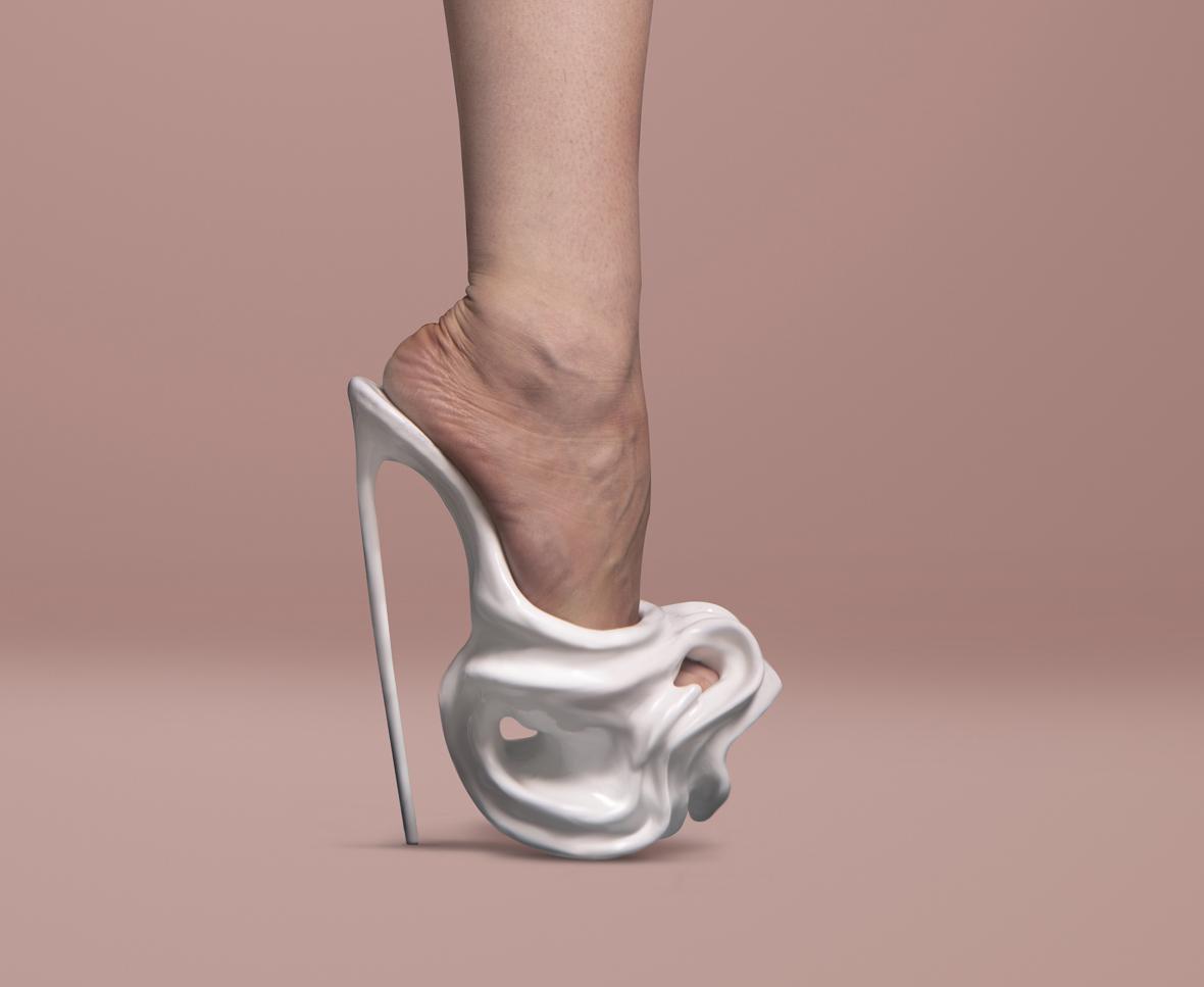 Il rapporto scarpa e donne cela una stretta correlazione con alcune aree  del cervello femminile 3a42c7508b5