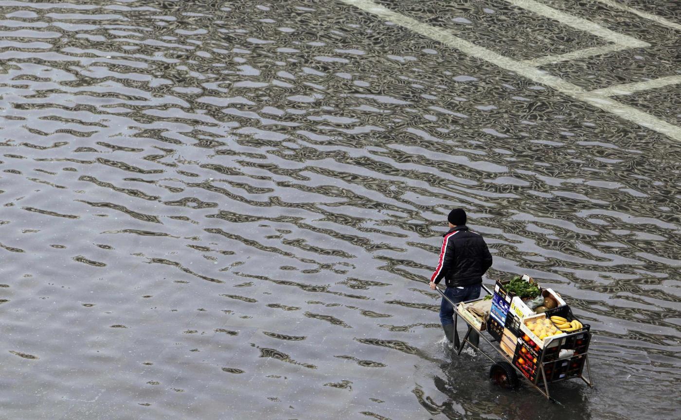 Venezia, acqua alta record con 124 centimetri