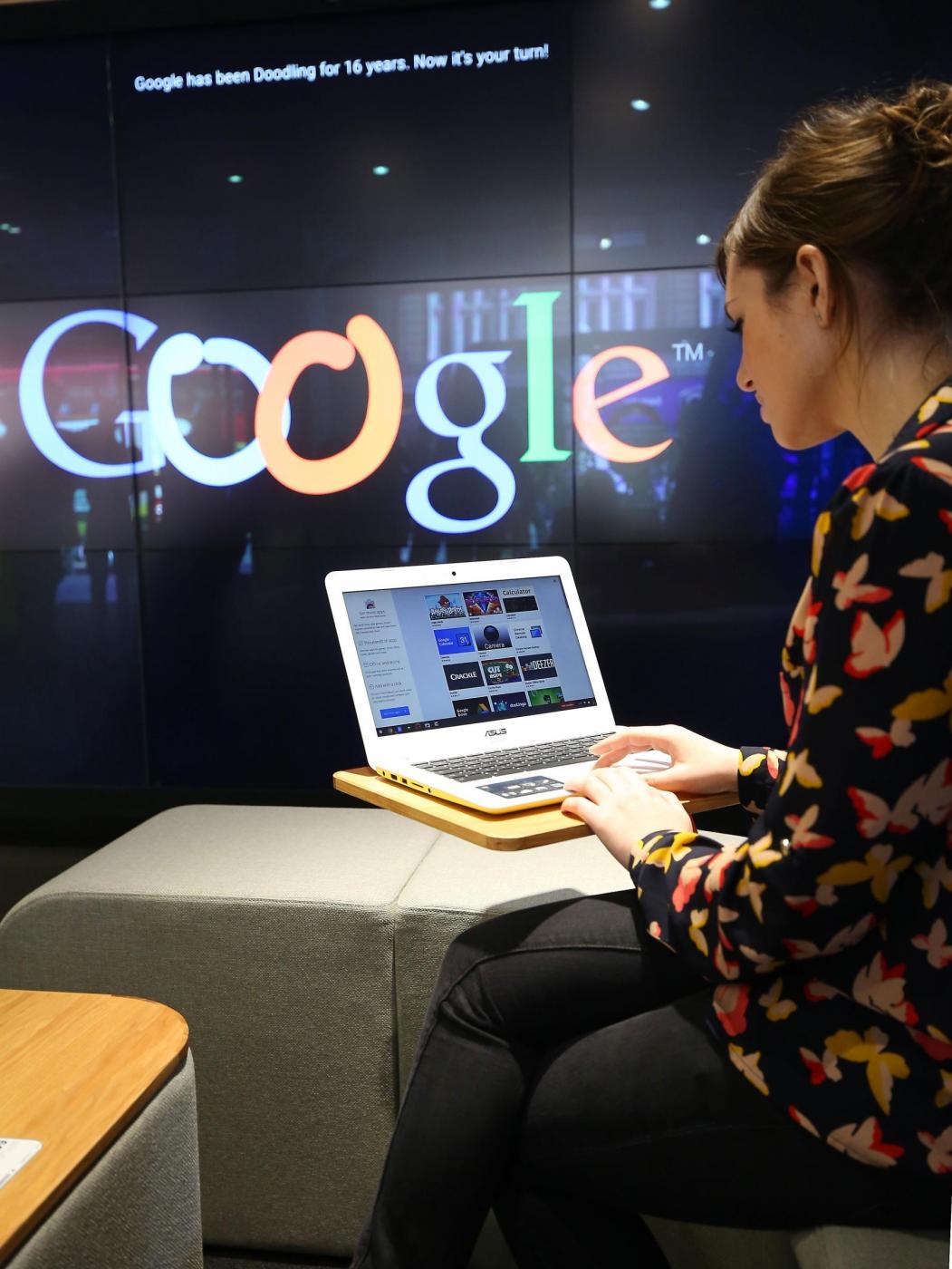 Ricerca Per Immagini Mobile traguardo storico per google: più ricerca da mobile che da