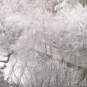 Gli effetti della bufera di neve che ieri si è abbattuta sulla città ucraina di Rivne (credit Severe Weather RU)