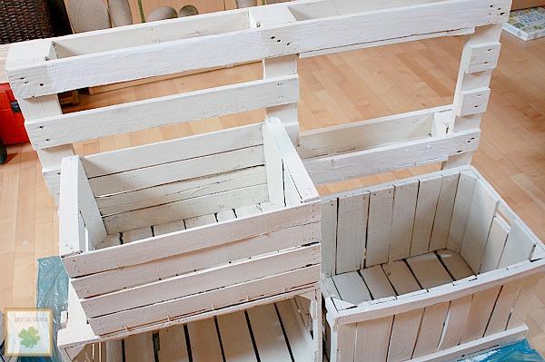 Cassette della frutta tante idee per riciclarle in modo - Mobili con bancali di legno ...