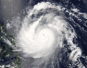 """L'immagine satellitare che ritrae """"Noul"""" in azione sul mar delle Filippine (credit NASA)"""