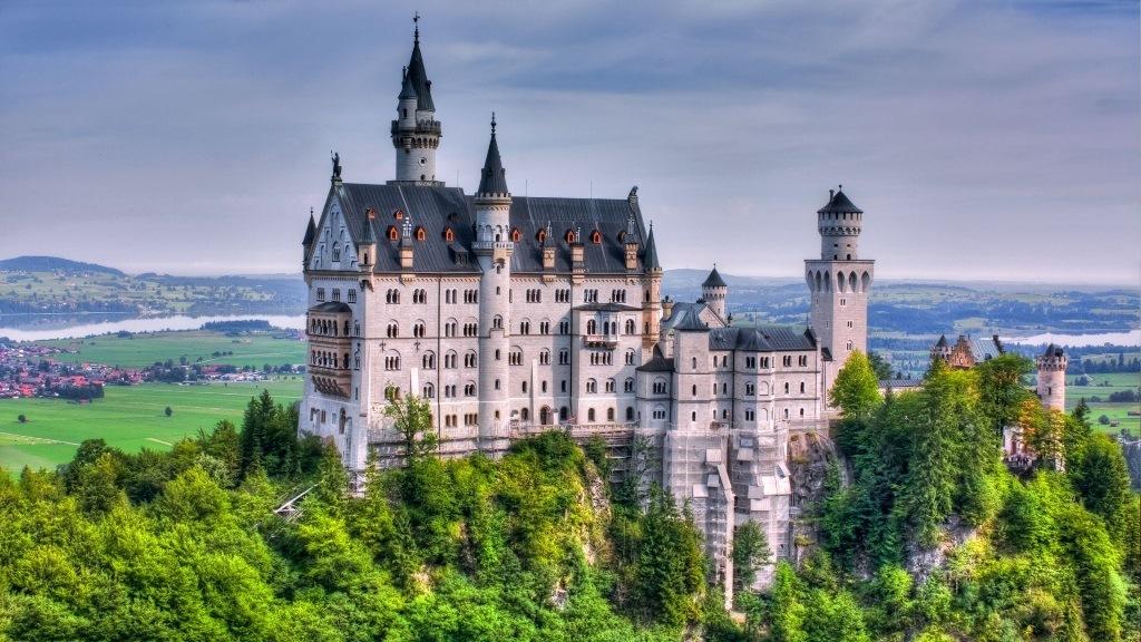 Il castello di neuschwanstein come in una favola for Castello come piani di casa