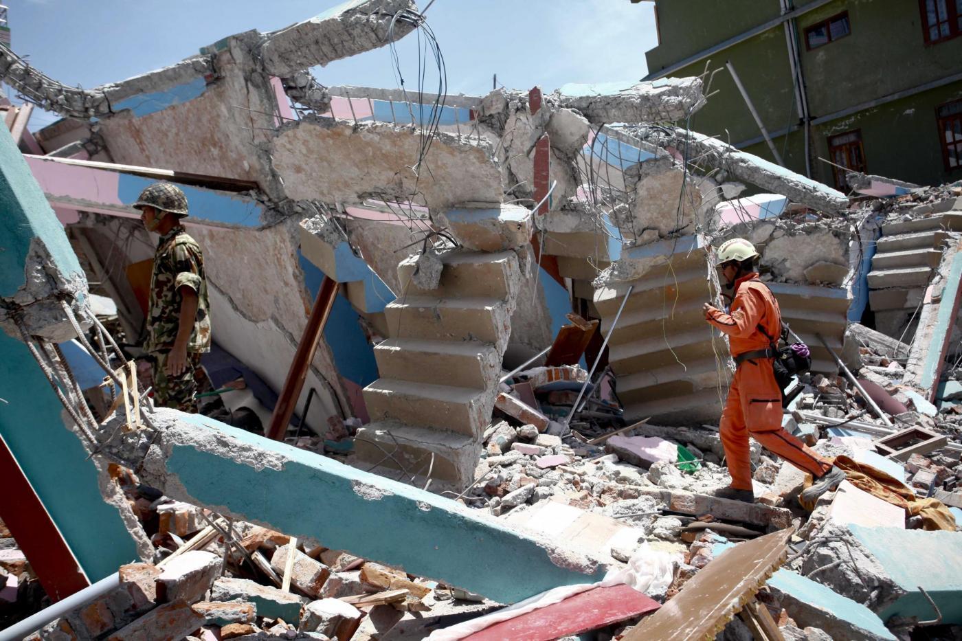 Elicottero Usa : Terremoto in nepal elicottero usa precipitato
