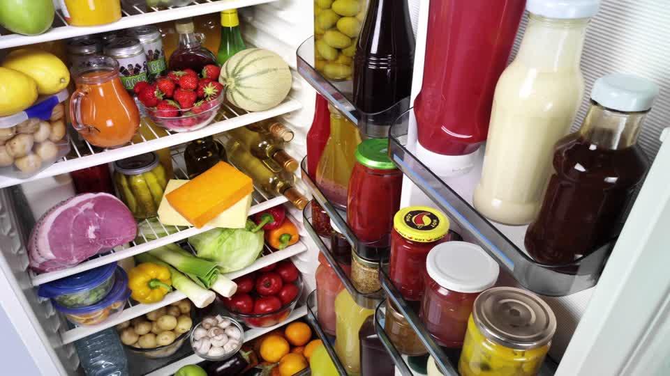 Alimenti nel frigorifero si scoprono gli stili di vita for Stili di casa americana dispensa