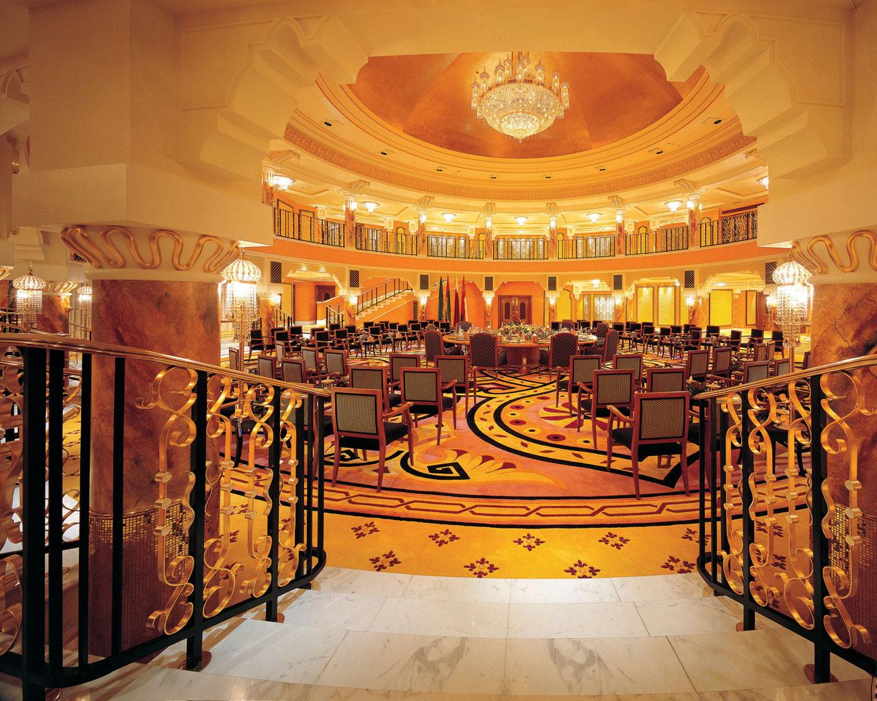 Burj al arab l 39 albergo a 7 stelle icona di dubai nel mondo for Design hotel speicher 7