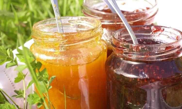 Conserve fatte in casa 10 regole per evitare brutte for Marmellate fatte in casa senza zucchero