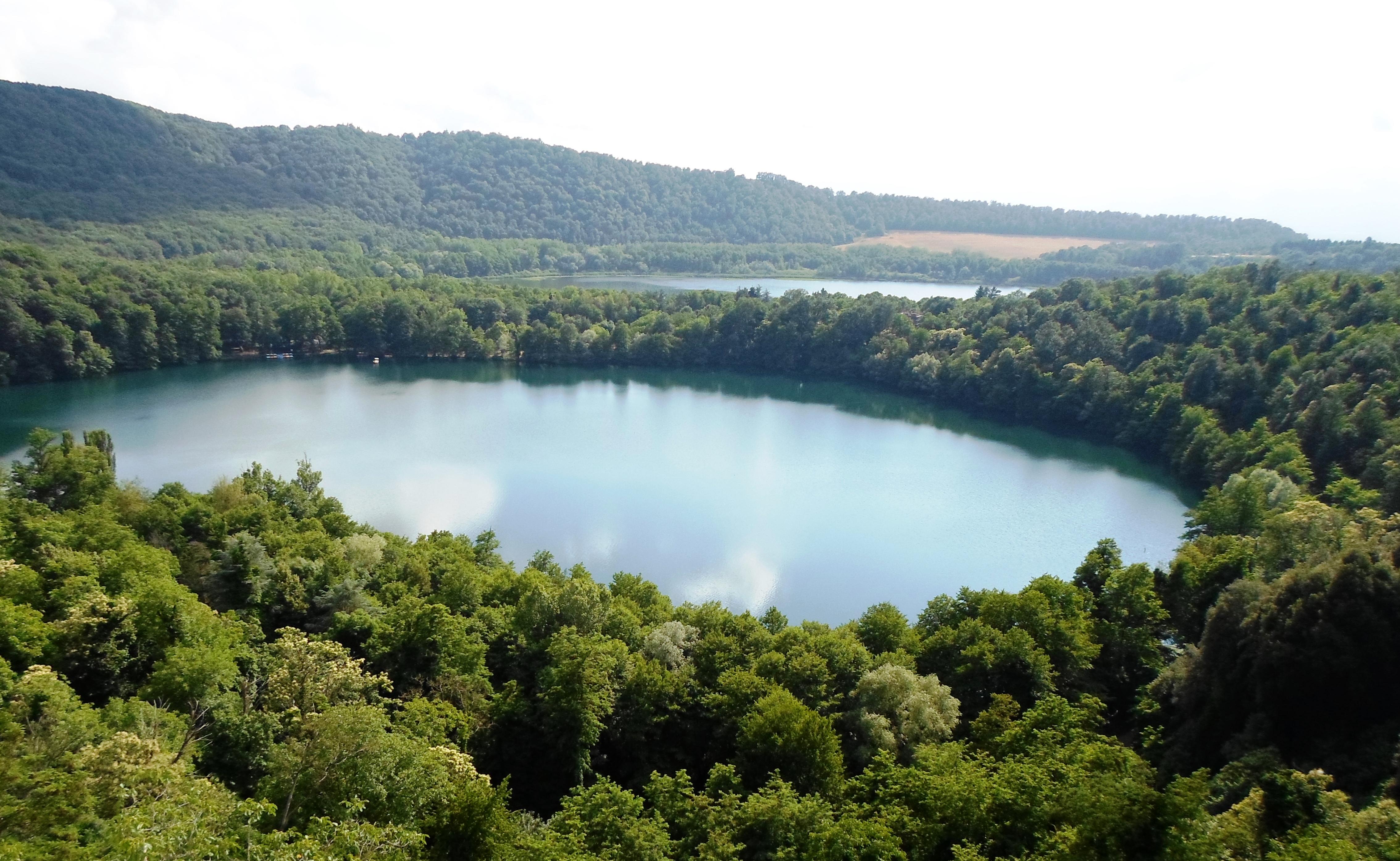 Alla scoperta dei suggestivi laghi di monticchio gioielli for Disegni di laghi