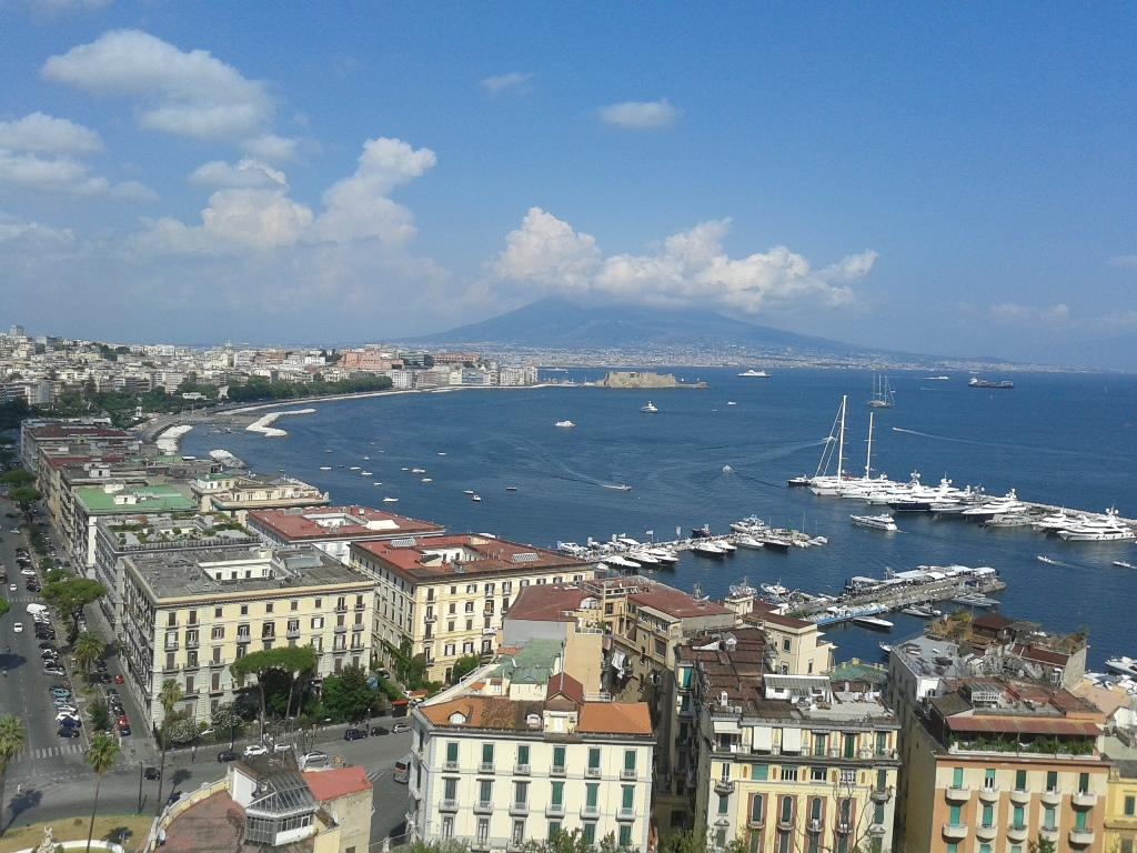 napoli preferita dal turismo europeo i luoghi da visitare