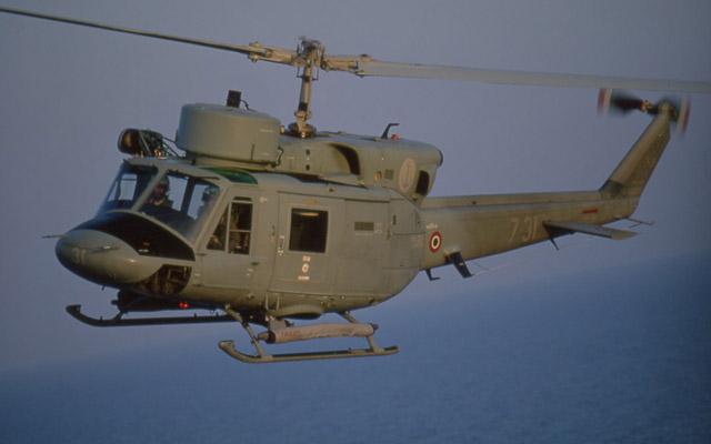 Elicottero Ab 212 : Caldo elicotteri ab della marina militare intervengono