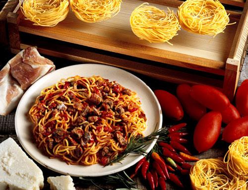 Expo etichetta dei cibi e aperitivo protagonisti a milano for Abruzzese cuisine