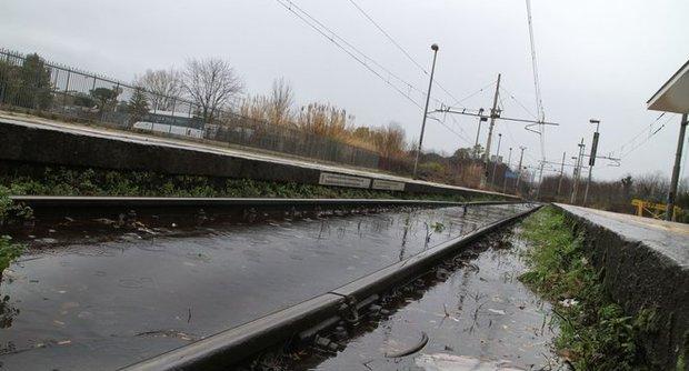 Maltempo, ciclone al Sud: tre linee ferroviarie interrotte in Puglia