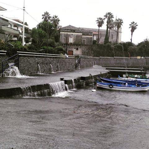 Allerta Meteo Sicilia Piogge Torrenziali Tra Acireale Riposto
