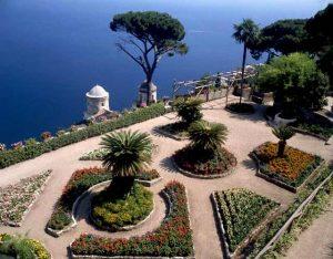 Villa rufolo un tripudio di torri piante esotiche e - Giardini terrazzati immagini ...