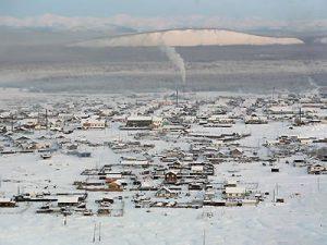 Il celebre villaggio siberiano di Ojmjakon durante la stagione invernale