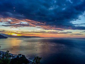 Stretto di Messina tramonto foto Eolie Bagnara Calabria Sicilia