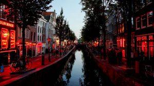 amsterdam-Red-Light-District-1112x630