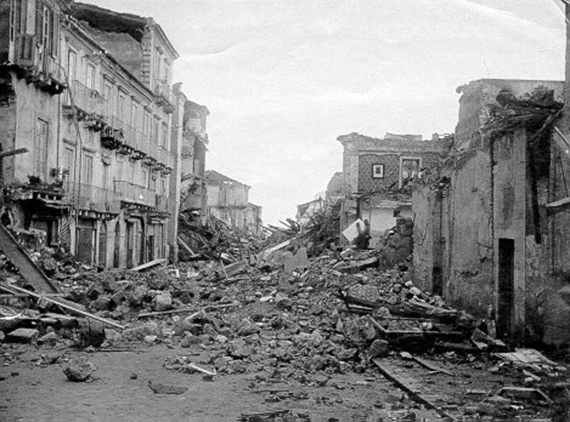 """Terremoto Irpinia, de Magistris: """"Napoli non potrà mai dimenticare quel lutto"""""""