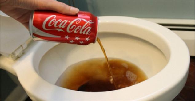 15 Modi Per Usare La Coca Cola Invece Di Berla