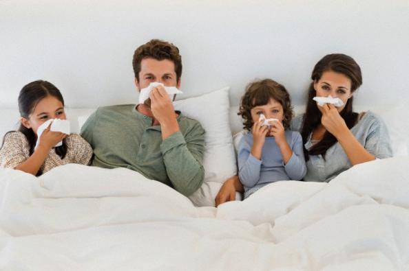 """Influenza, l'esperto spiega perchè quest'anno sarà più pesante e diffusa: """"sono mutati due dei tre virus in circolazione"""""""