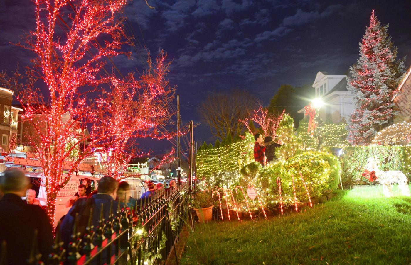 Maxi palline di natale da giardino - Addobbi natalizi da giardino ...