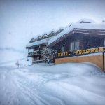 Cervinia sommersa di neve: spettacolo straordinario nel cuore delle Alpi [FOTO]