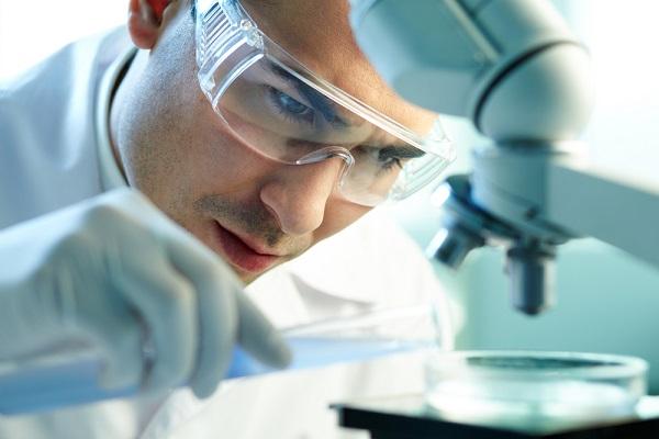Risultati immagini per Scienziato transgenico