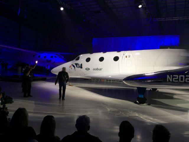 Virgin Spaceship Unity la nuova navetta spaziale battezzata da Hawking