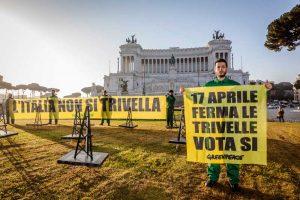 greenpeace  altare della patria trivelle (10)