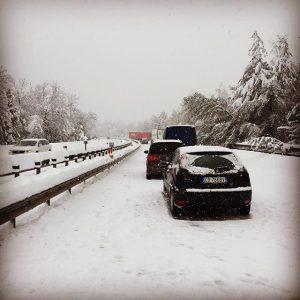neve autostrada lago Maggiore bloccati code