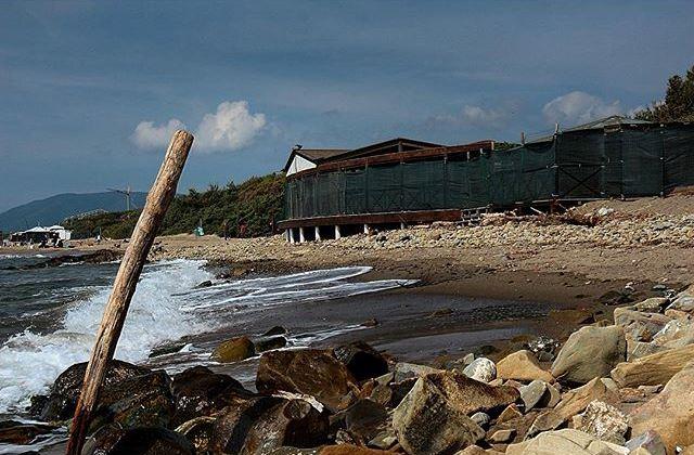 Castiglione della pescaia crolla ristorante a palafitte for Ristorante da antonietta castiglione della pescaia