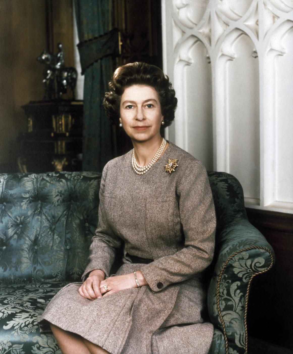 Domani la regina elisabetta ii compie 90 anni ecco 10 for La regina elisabetta 2