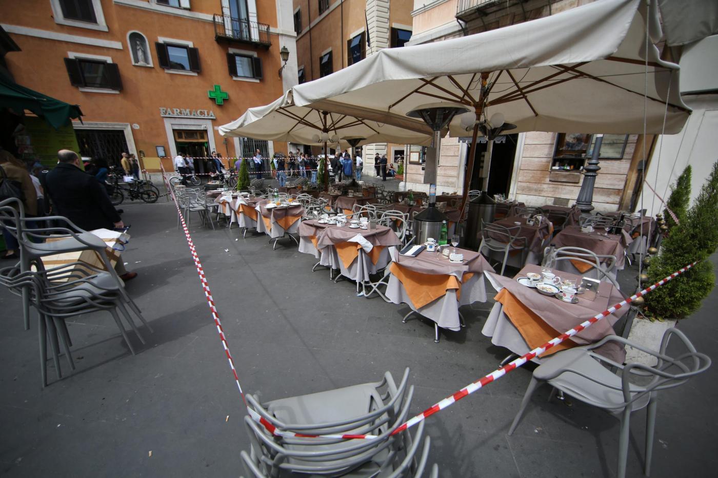 Roma esplosione al bar ciampini a pochi passi da for Diretta da montecitorio