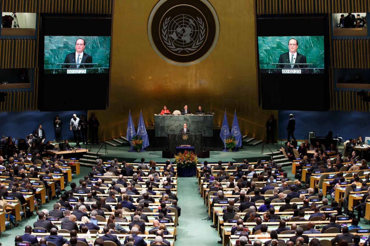 Clima il parlamento tedesco ratifica all 39 unanimit l for Parlamento in diretta