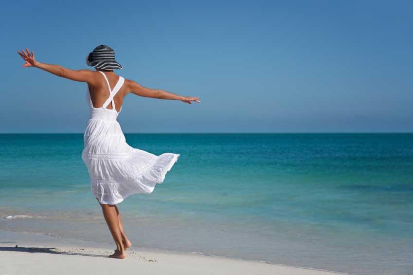 Donna in spiaggia nude picture 20